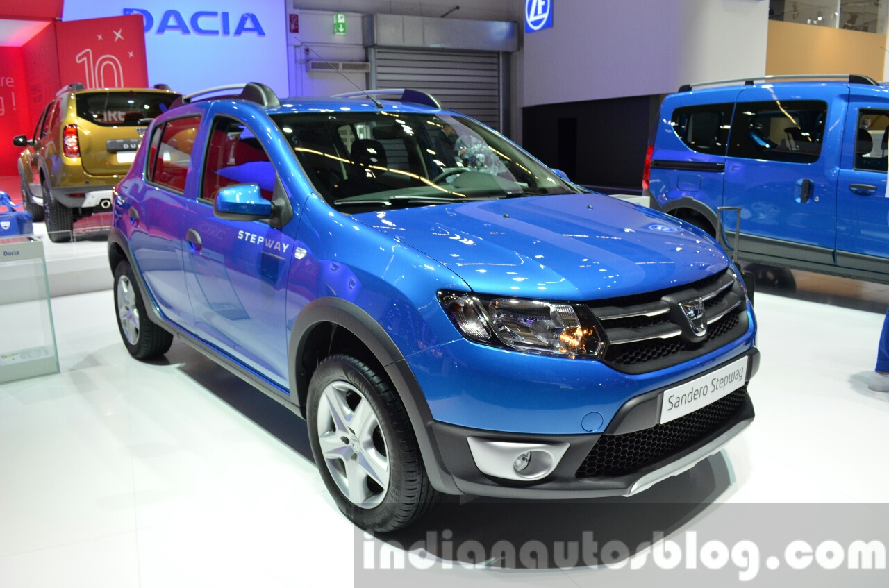 2016-Dacia-Sandero-Stepway-with-Easy-R-AMT-front-three-quarter-at-the-IAA-2015